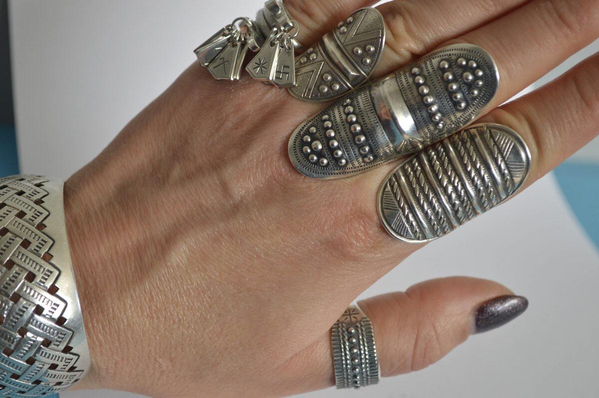 """Sudraba gredzens ar """"pumpiņām"""""""