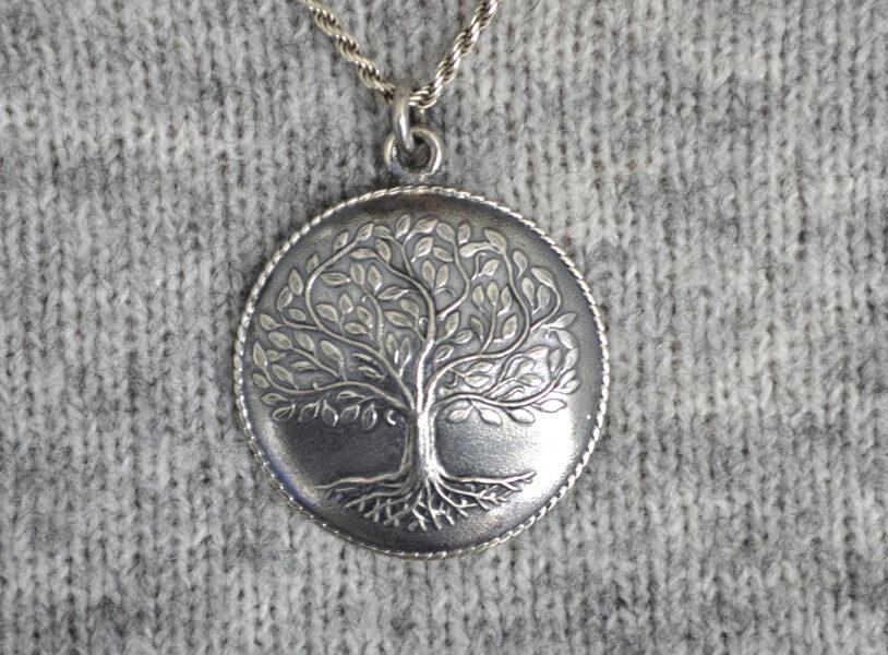 Dzīvības koks, kulons sudrabā